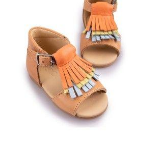 Sandálias pré-andantes com franjas 5609232250075