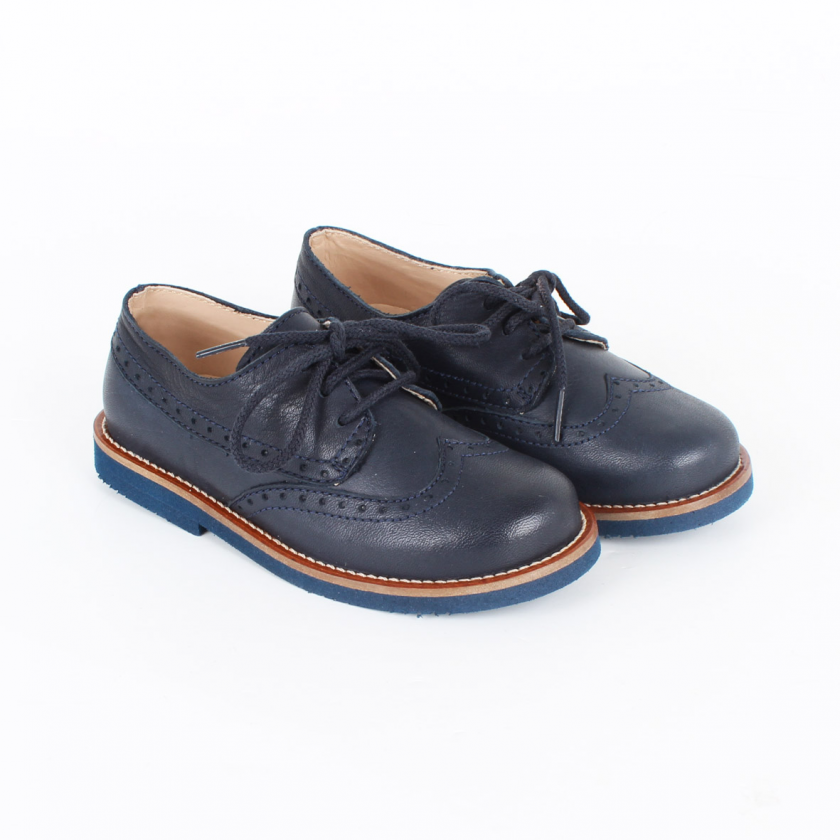 Oxford lace up shoes