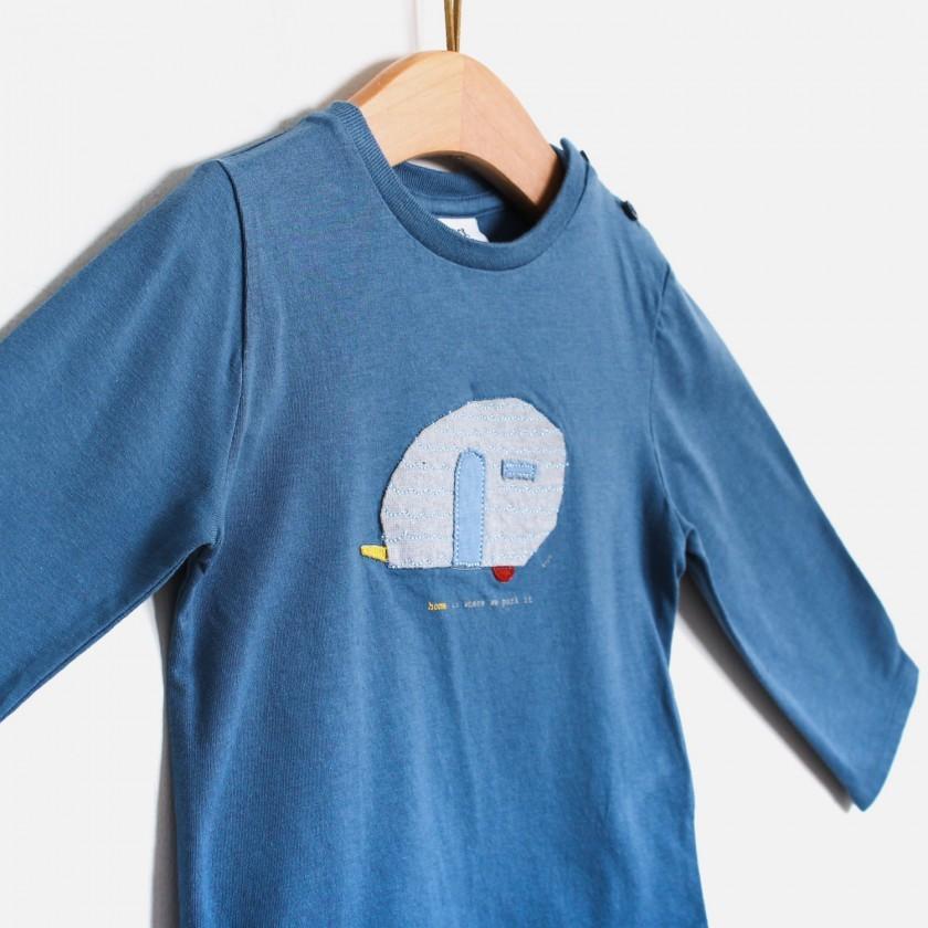 T-shirt caravan