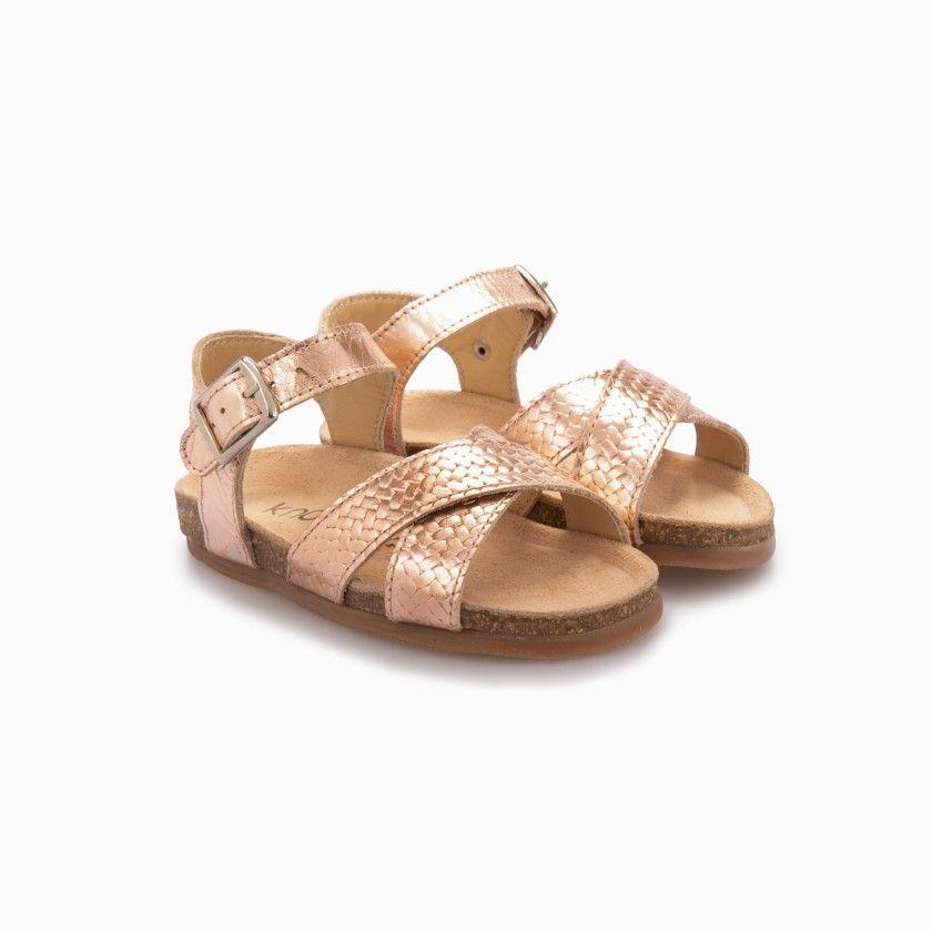 Sandálias em pele entrelaçadas