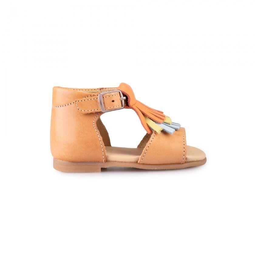 Sandálias pré-andantes com franjas