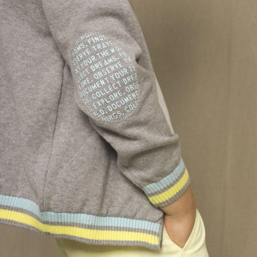 Casaco tricot c/ print nas cotoveleiras