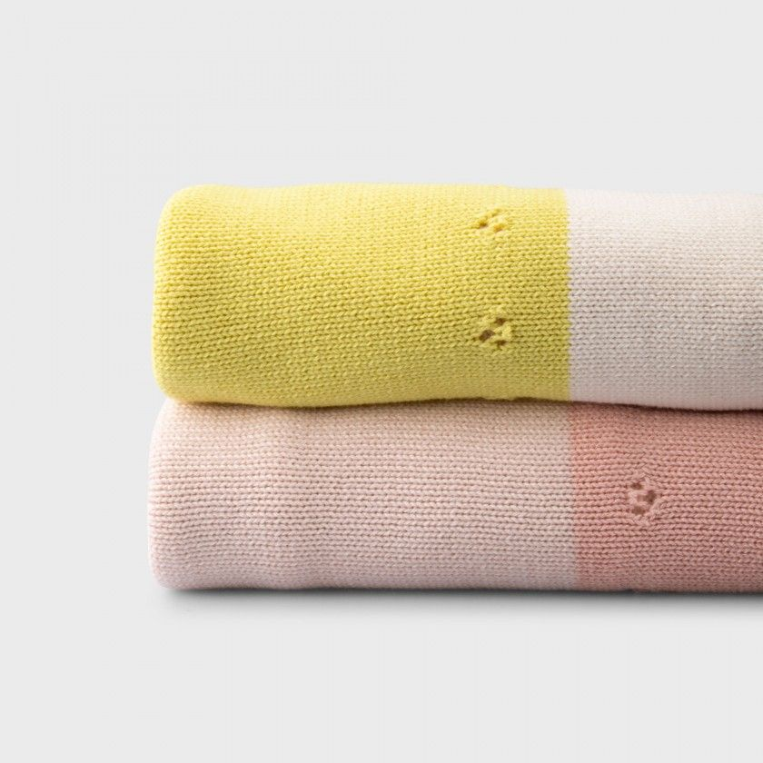 Sunny knitted cotton baby blanket
