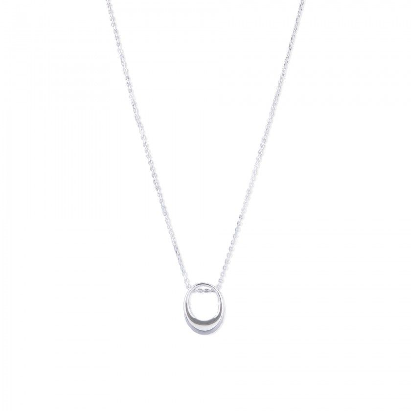 Silver necklace with oval pendant