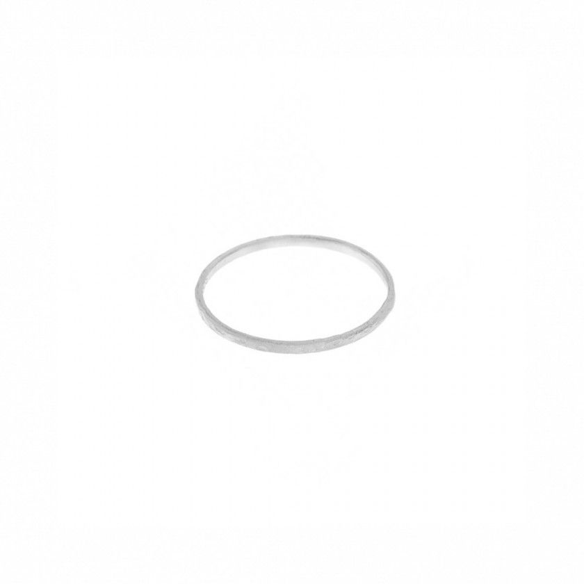 Sterling silver ring (0,5 grs). Size: 18mm.