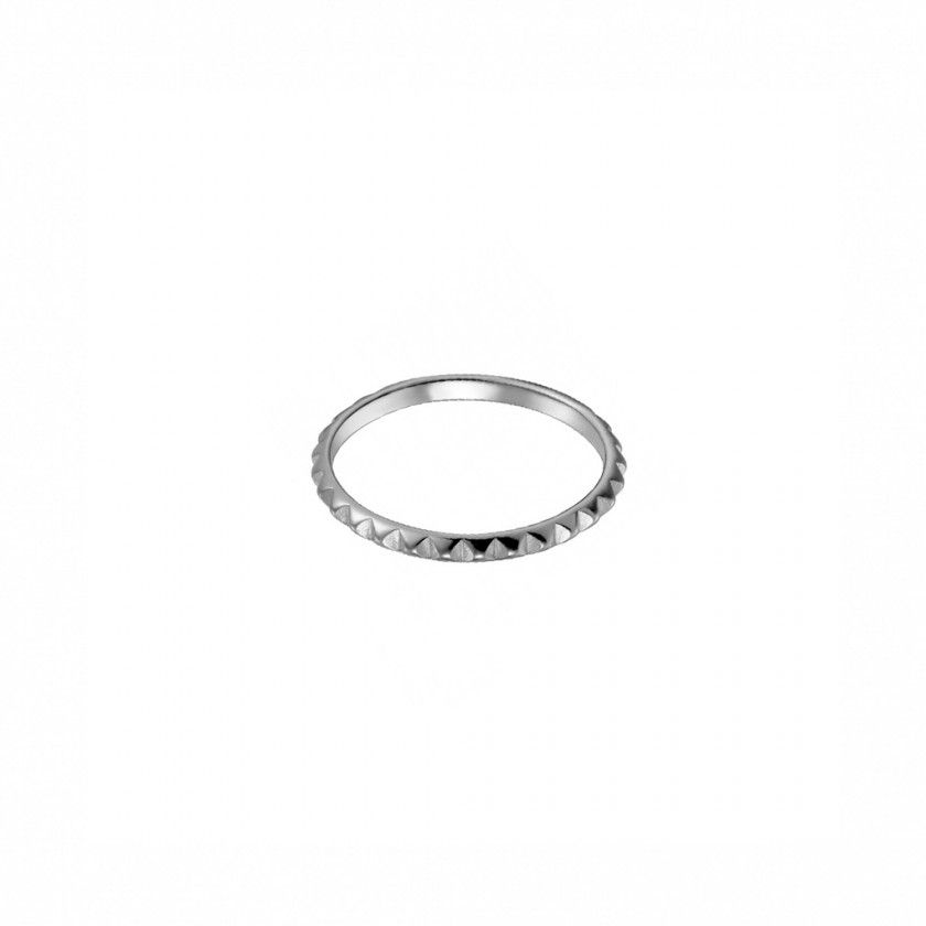 Sterling silver ring (0,9 grs). size: 18mm.