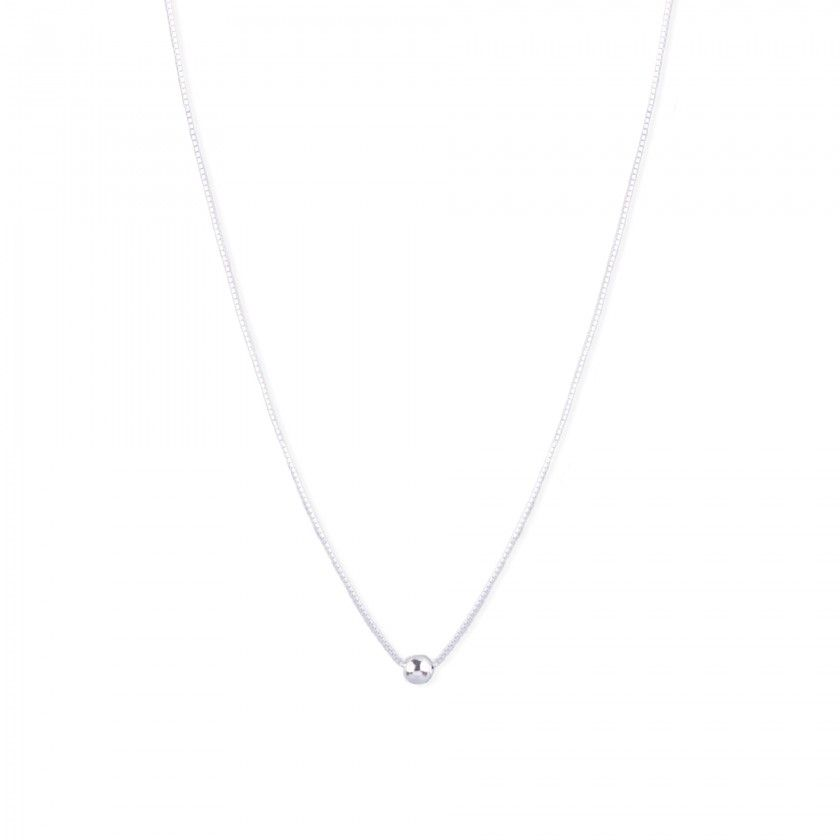 Silver necklace with squared chain