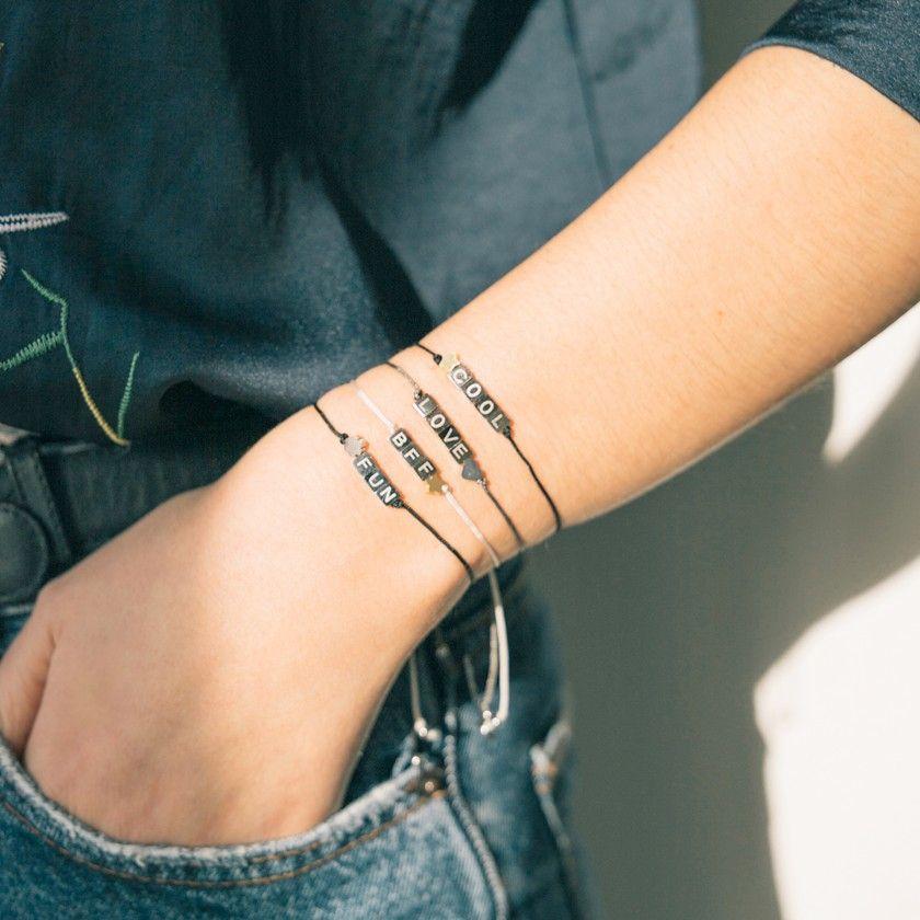 Pulseira cordão letras LOVE