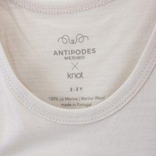 Sleeveless merino wool t-shirt