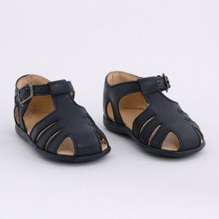 Classic pre-walking sandals