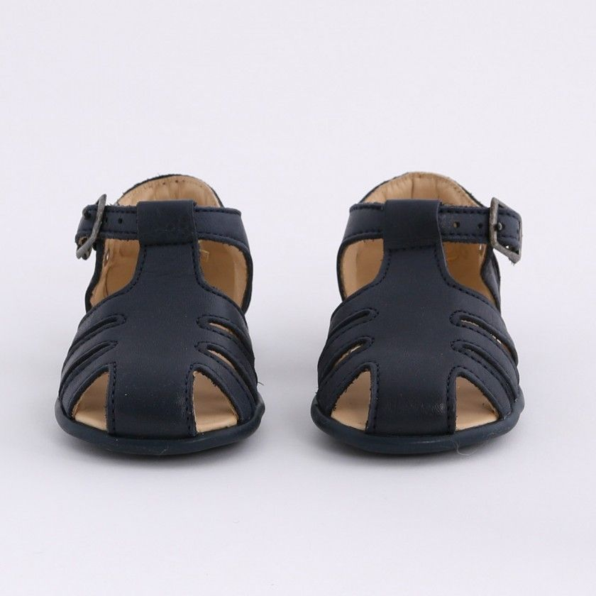 Classic pre-walking sandals
