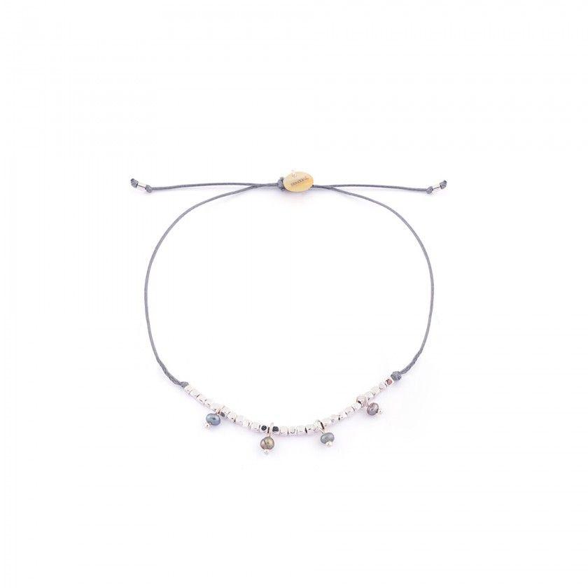 Beads bracelet with beads