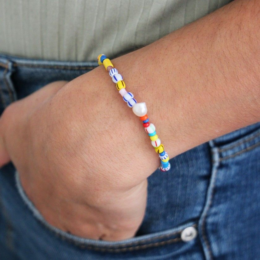 Bracelet with colored beads