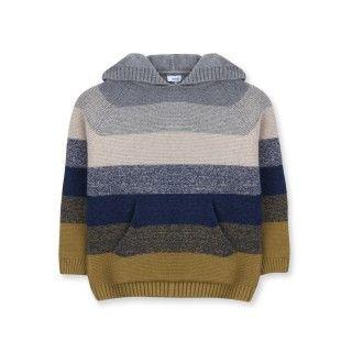 Sweater boy Hyatt